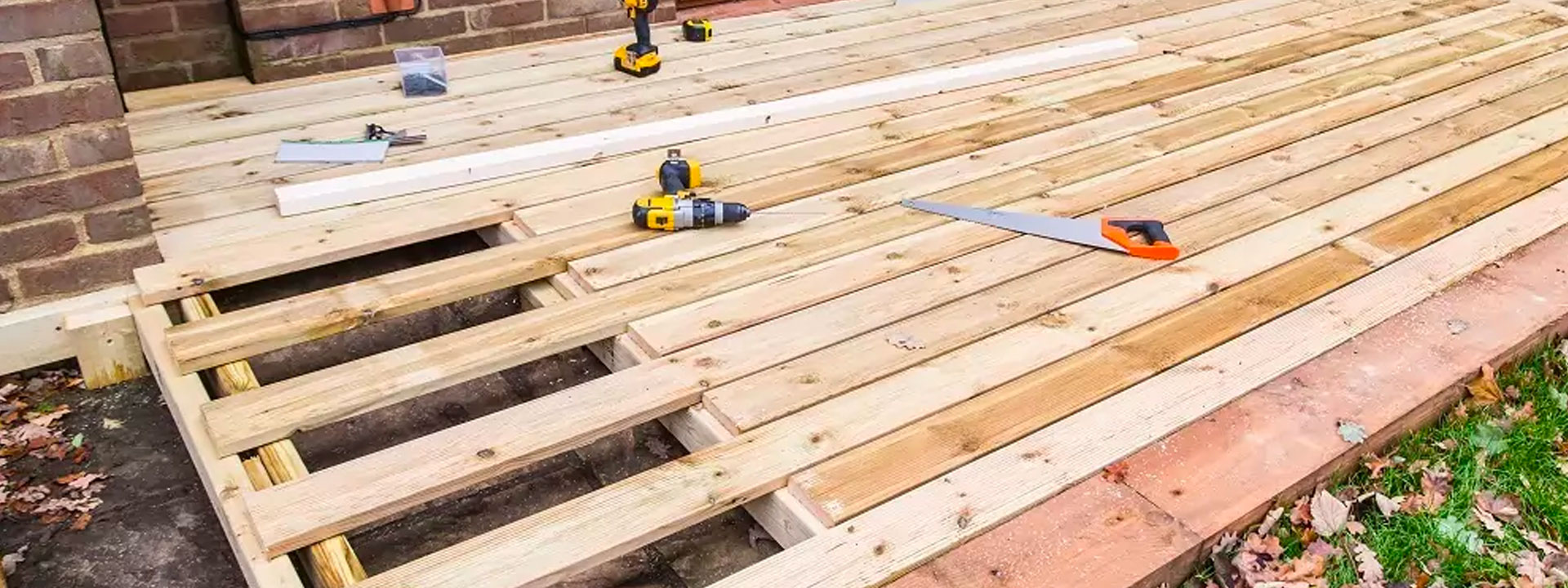 How to install garden decking